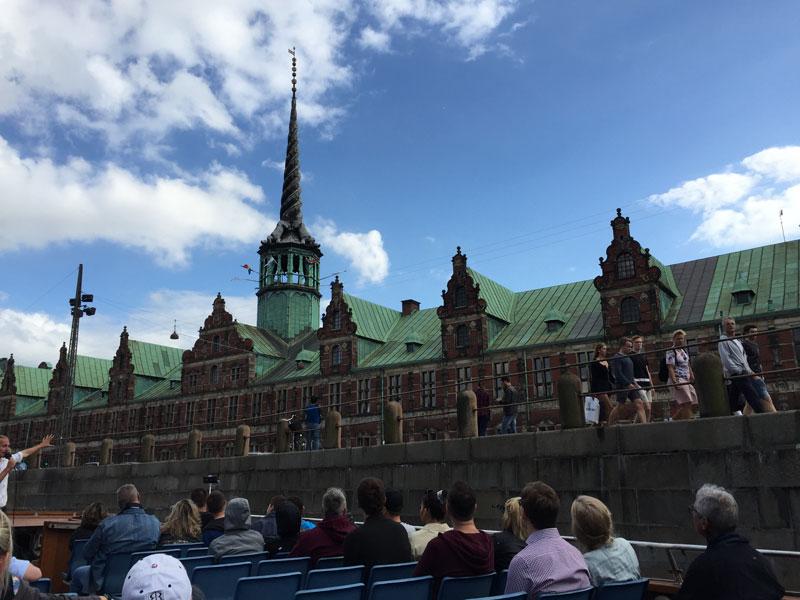 Rondvaart Kopenhagen oude beursgebouw