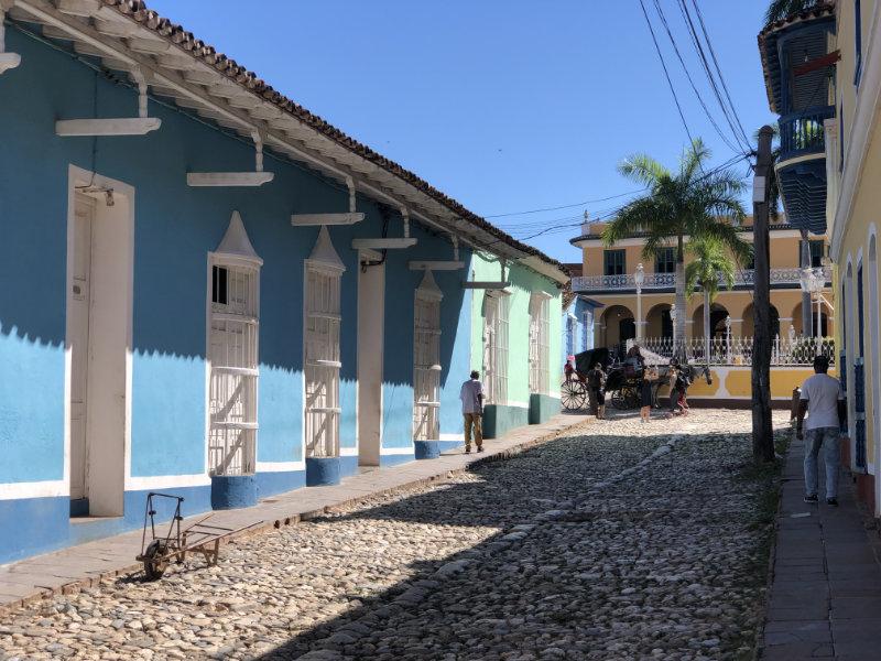 Kleurrijke straat in Trinidad Cuba.
